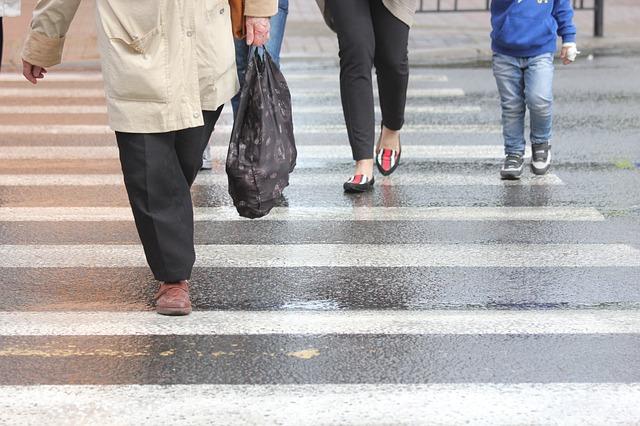 Przejście dla pieszych a pojazdy uprzywilejowane