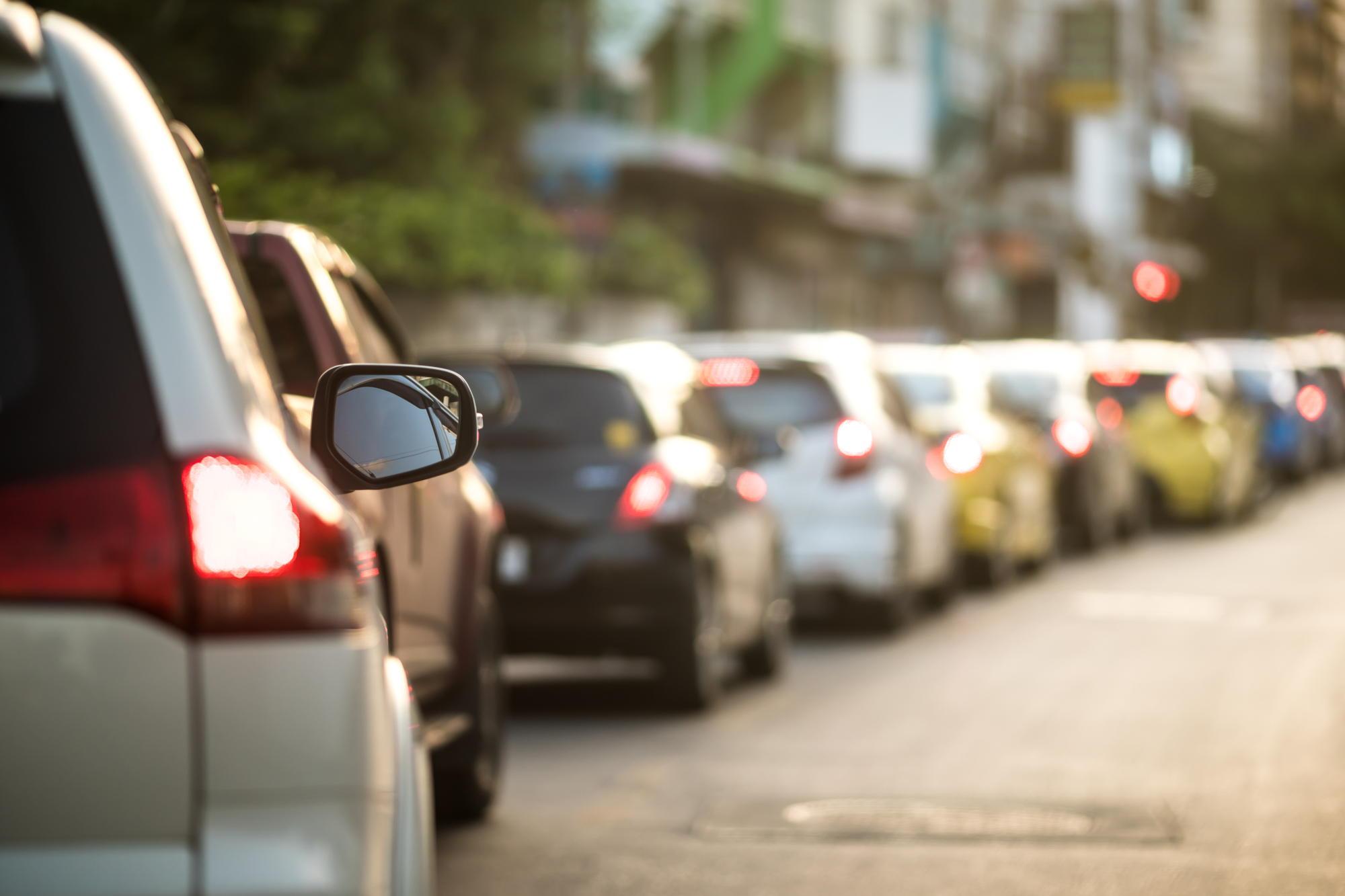 obowiązki kierowców na drodze wobec pojazdów uprzywilejowanych